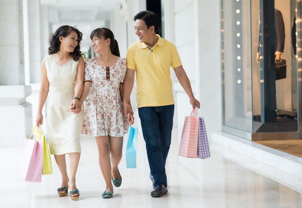 shopping with family